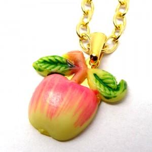 レトロフルーツのネックレス林檎1