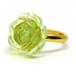 薔薇のゼリィの指輪緑1
