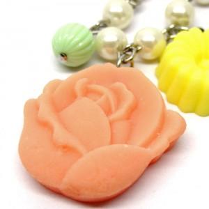 和三盆のネックレス薔薇2