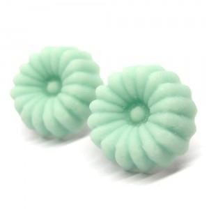 和三盆のピアス緑1