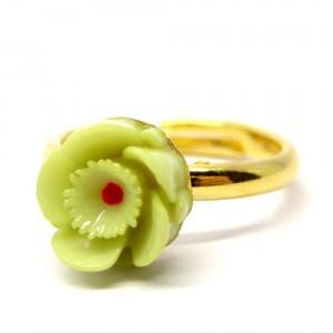 お花の指輪緑