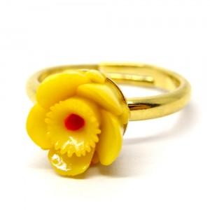 お花の指輪黄